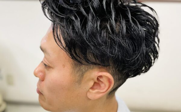3D67C177 63DF 4158 A71E 01E55DE441FB 600x371 - パーマスタイルで硬い髪も柔らかく